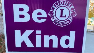 "Lions ""Be Kind"" Signs"